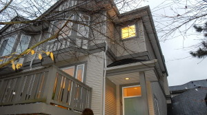 Spacious 4 Bedrooms Townhouse In Terra Nova