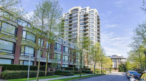 2 Bedrooms Apartment In Desirable McLennan North