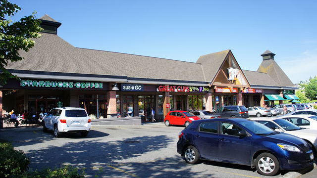 Champlain Square Shopping Centre Nearby